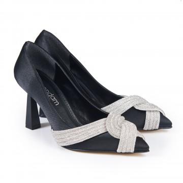 Jüt - Beyaz Fiyonklu Sivri Burunlu Arkası Açık Sandalet 5054