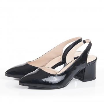 Siyah Süet Burnu Kapalı Bilekten Bağlı Sandalet 4042