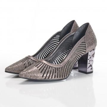 Yuvarlak Burunlu Beyaz Rugan Alçak Topuklu Bayan Ayakkabı 7070